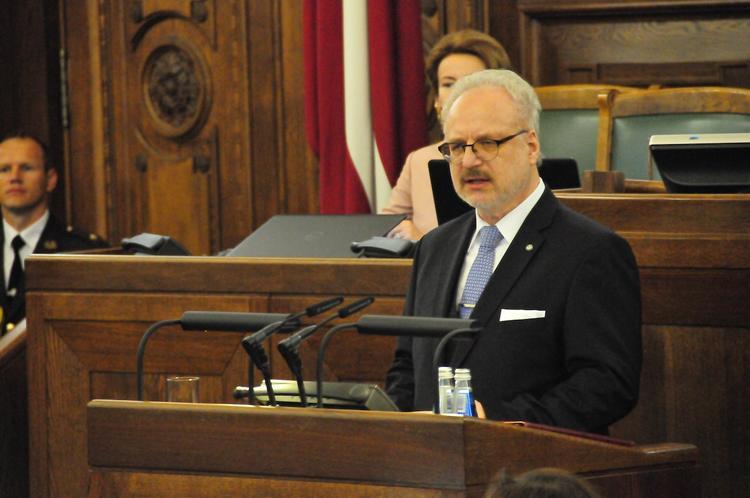 Президент Латвии предложил объявить 17 марта днем памяти национального сопротивления