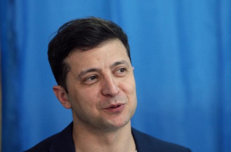 Украина прекратит кровопролитие в Донбассе, не уступая своим принципам, заявили в команде Зеленского