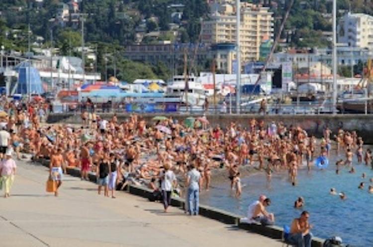 В Крыму намечена реконструкция очистных сооружений: качество морской воды на пляжах полуострова ухудшается