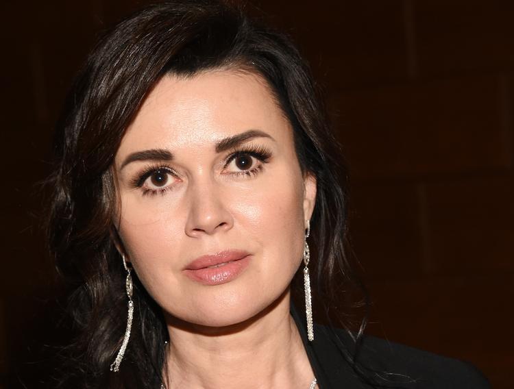 Директор Заворотнюк не исключает, что актриса вернется к работе