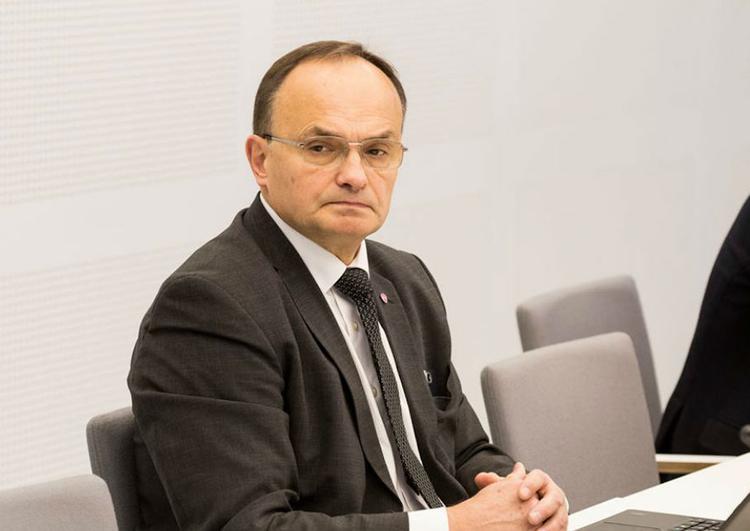 Депутат Сейма призвал министра обороны Латвии подать в отставку