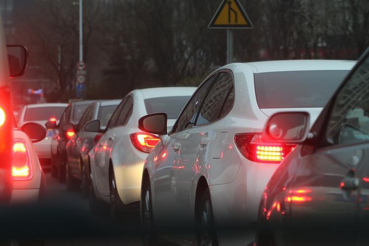 ЦОДД предупредил о пробках  в Москве на выездах из столицы
