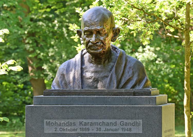 Прах Махатмы Ганди похитили из мемориала в Индии в день празднования его 150-летия