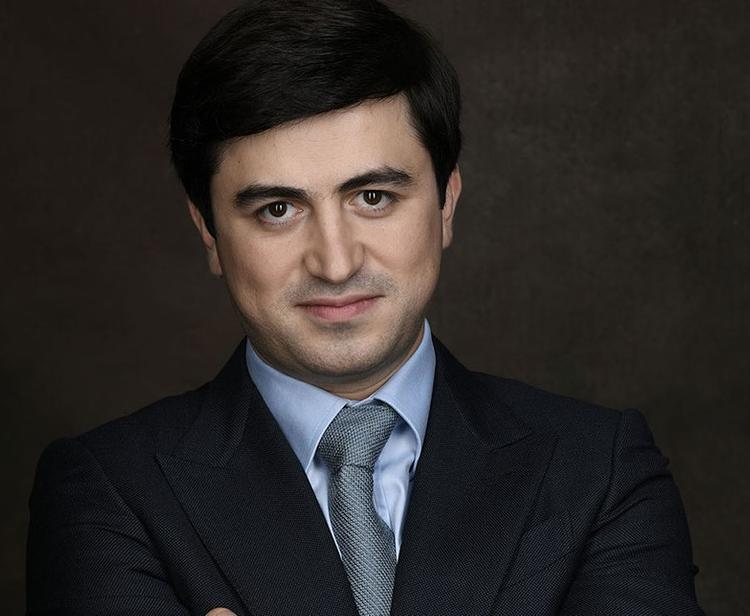 Арестованный топ-менеджер «Аэрофлота» Владимир Александров до 2004 года был Арменом  Абаляном