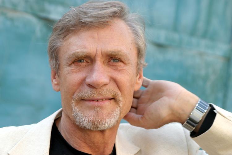 Актеру Александру Михайлову исполняется 75 лет