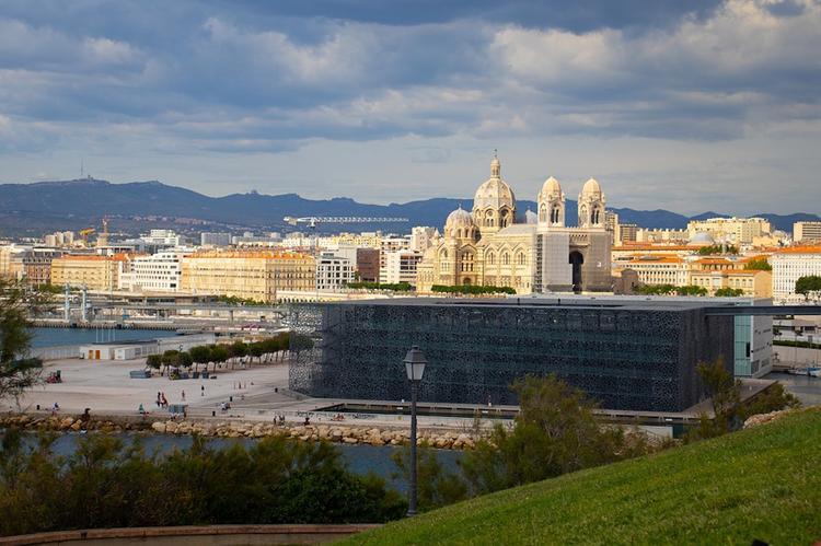 В Марселе эвакуирован отель с российскими туристами