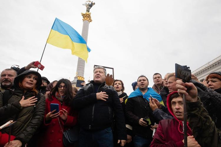 Порошенко принял участие в митинге на майдане Незалежности