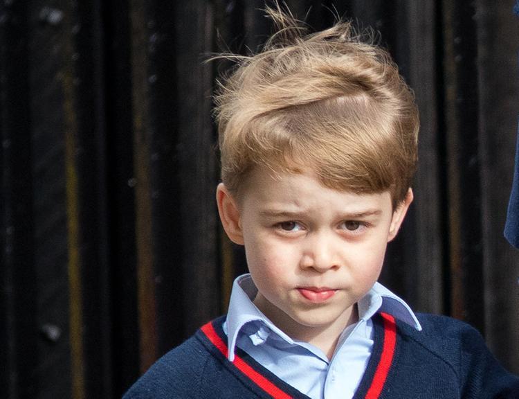 """Сеть """"взорвало"""" видео с реакцией маленького принца Джорджа на гол"""