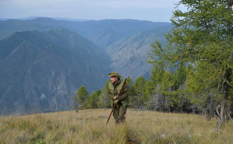 Опубликованы отпускные фото Владимира Путина в Сибири