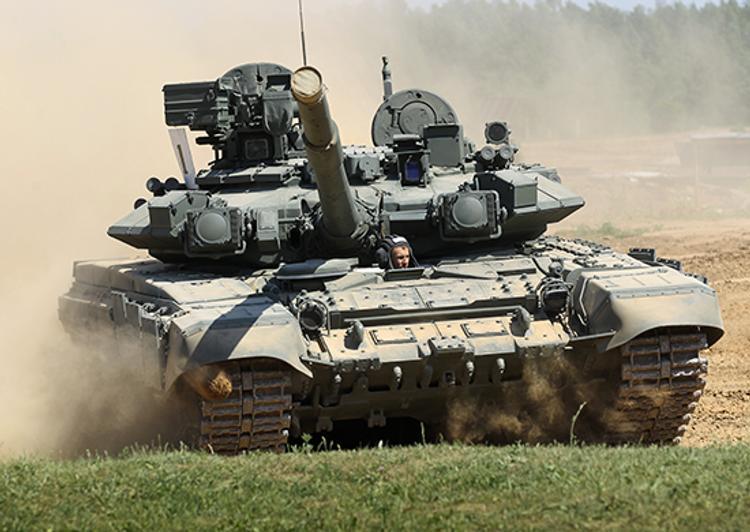 """Военный эксперт о количестве танков РФ: """"любая гибридная война может перерастать в нормальную"""""""