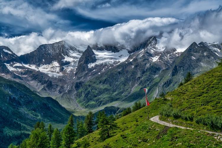 Установлены причины активного таяния Альп