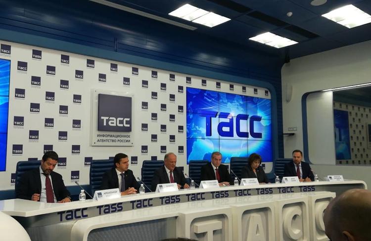 Зюганов прокомментировал перспективы развития здравоохранения