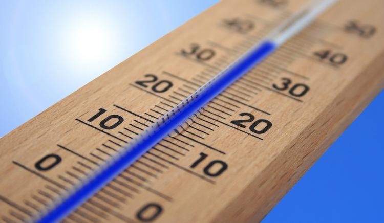 Какой должна быть температура в квартирах в осенне-зимний сезон?