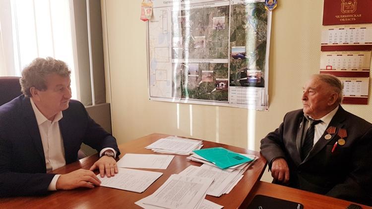 Челябинский депутат поможет ветерану  в споре с банком