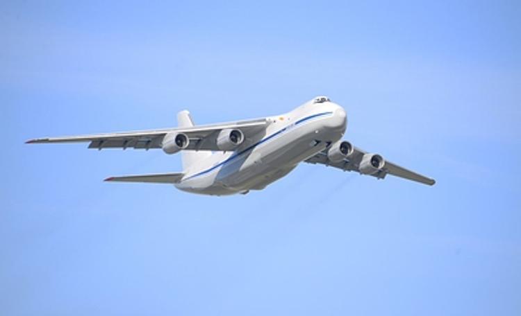 В Екатеринбурге  ЧП произошло с военным  самолётом  Ан-12