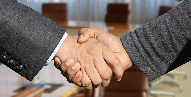 Ученые: продолжительное рукопожатие способно вызвать чувство тревоги