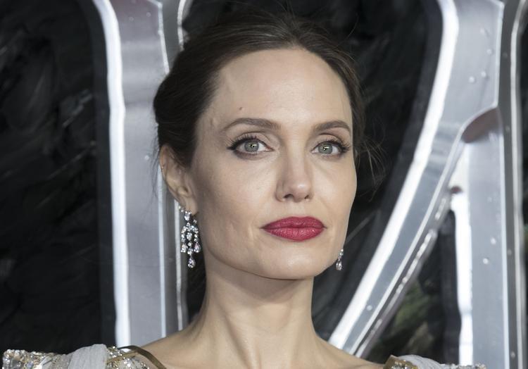 Возрастные изменения на лице Анджелины Джоли расстроили поклонников