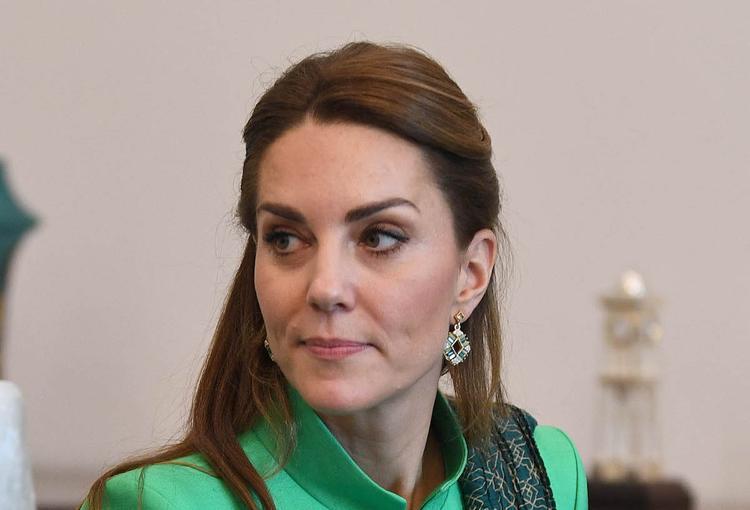В сети заметили, что герцогиня Кейт копирует образы принцессы Дианы во время поездки в Пакистан