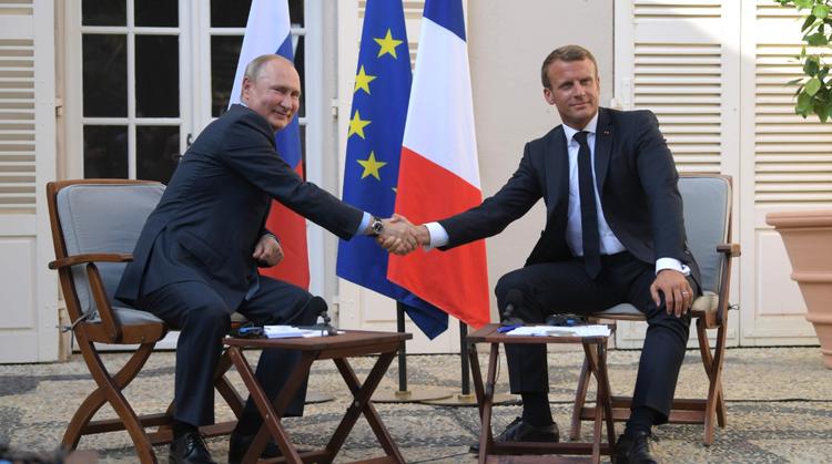 Путин и Макрон отметили отсутствие альтернативы Минским соглашеням