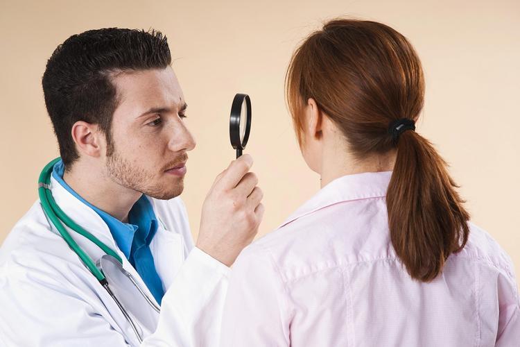 Три нетипичных симптома инфаркта миокарда перечислили медицинские специалисты