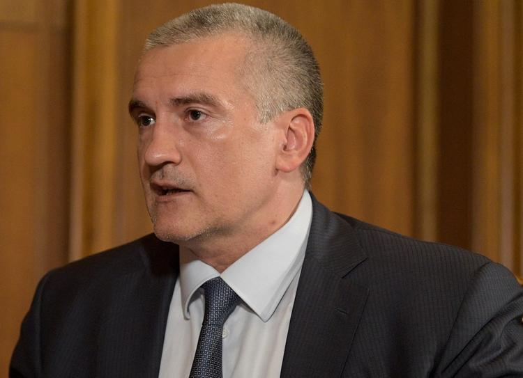 В Крыму будет введена система материального стимулирования чиновников