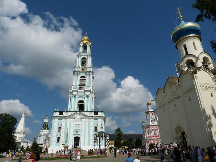 Эксперты назвали самые популярные города России для осенних экскурсий