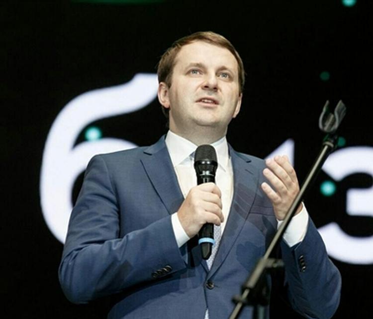 """Министр Орешкин заявил, что чиновников завалили """"бумажками"""" и призвал Кудрина искать врагов и шпионов в СП"""