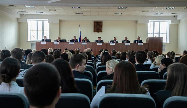 Коллектив Четвертого кассационного суда поздравили с началом работы