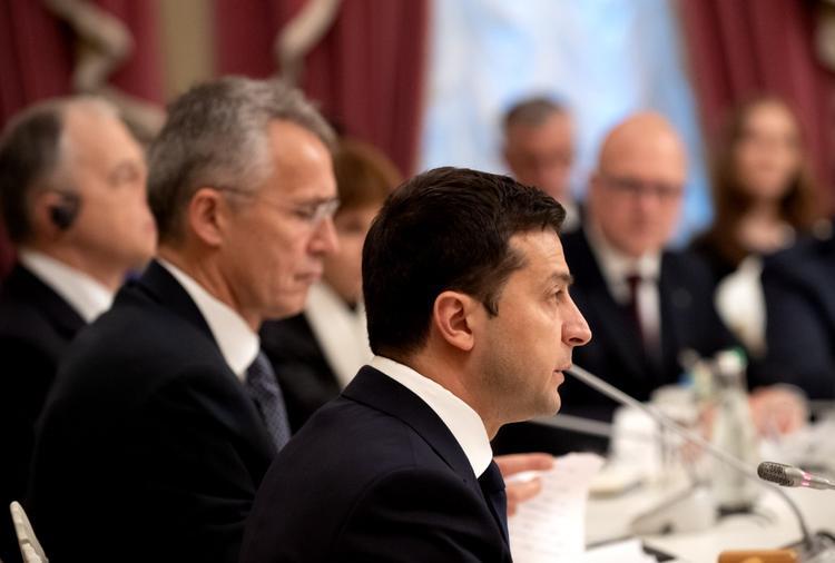 НАТО не торопится принимать Украину в свои ряды. Столтенберг напомнил Зеленскому  о реформах