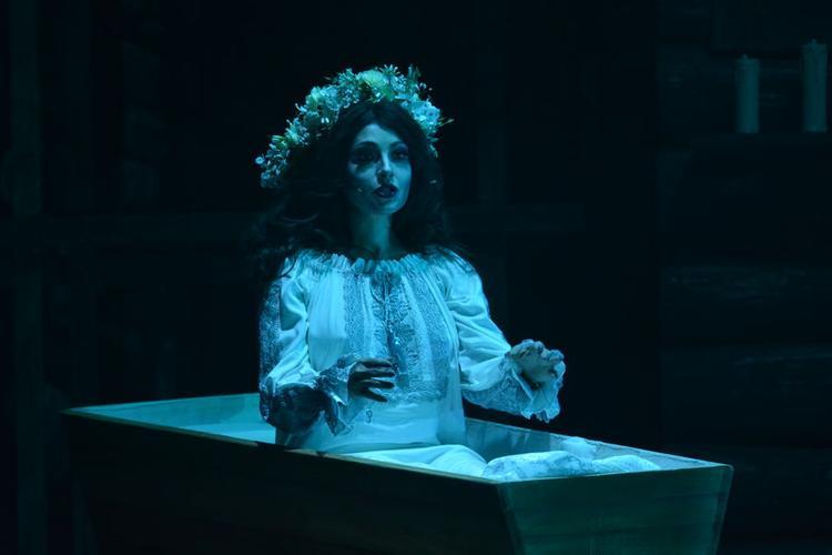 Когда ложиться в гроб вовсе не плохая примета. Актриса Анастасия Макеева верит в мистику, но ради роли рискнула