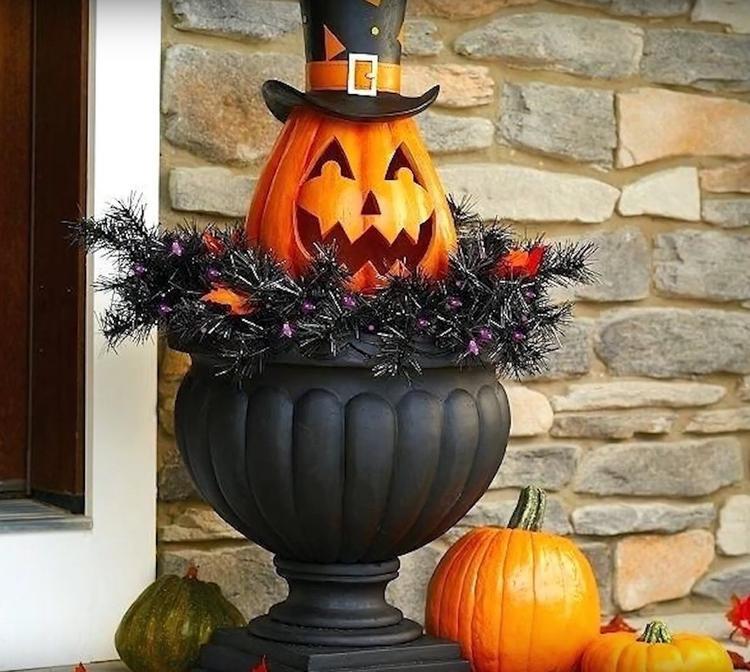 Как отметили праздник Хэллоуин в Европе?