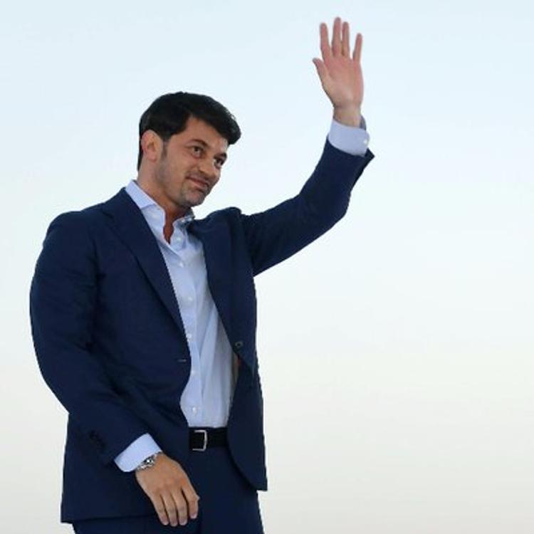 Стильные наряды нового мэра Тбилиси Кахи  Каладзе  обсуждают в сети