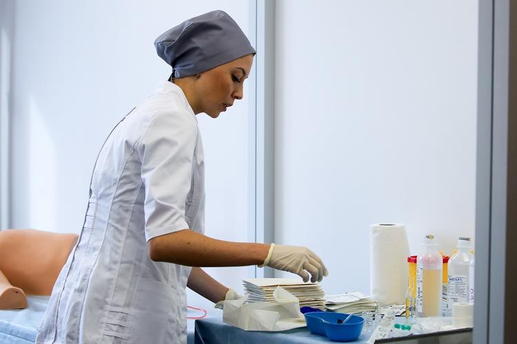 Список вызывающих образование рака продуктов питания озвучил доктор Мясников