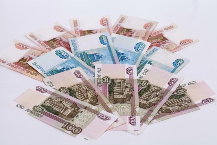 Источник: в Москве полицейский попытался съесть взятку в размере 10 тыс. рублей