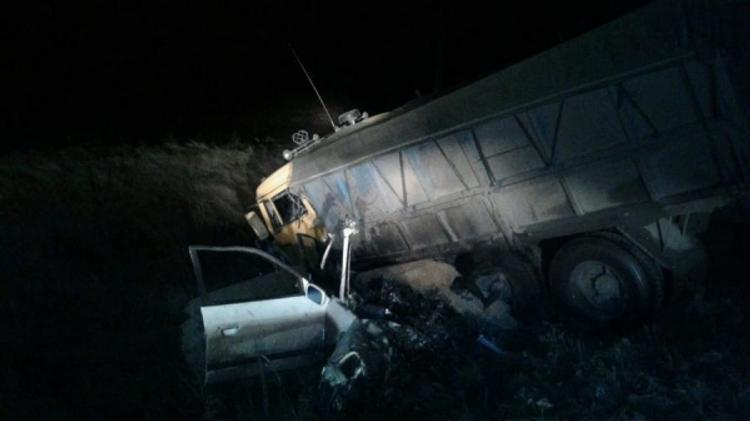 Под Курском ранним утром на трассе столкнулись  Audi и КАМАЗ. Пять человек погибли в ДТП