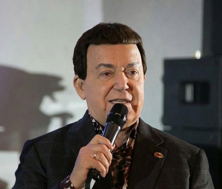 В Госдуме  предложили увековечить в памяти известных депутатов, в том числе Иосифа Кобзона