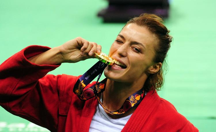 Четырехкратная чемпионка мира по самбо Яна Костенко: «Если женщина ведёт себя как женщина, ковер её не испортит»