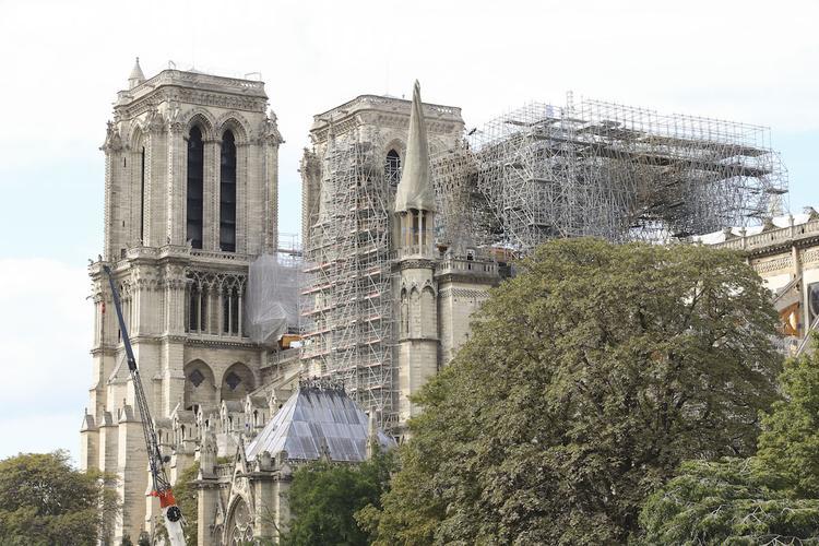 Франция заинтересована в экспертной помощи РФ для восстановления частично сгоревшего Нотр-Дама