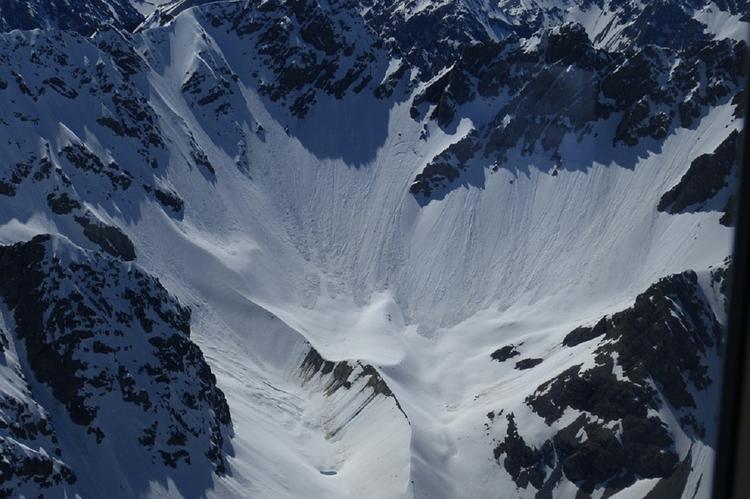 В Хакасии нашли тело погибшего при сходе лавины туриста