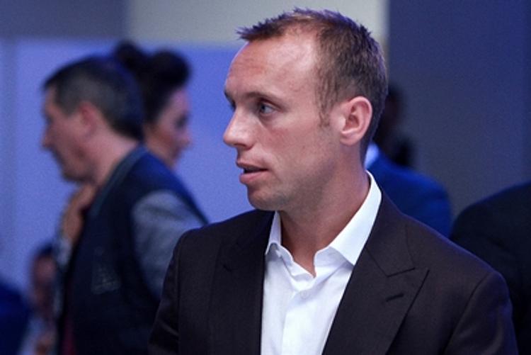 Футболист Глушаков требует через суд взыскать у бывшей жены  204 млн рублей