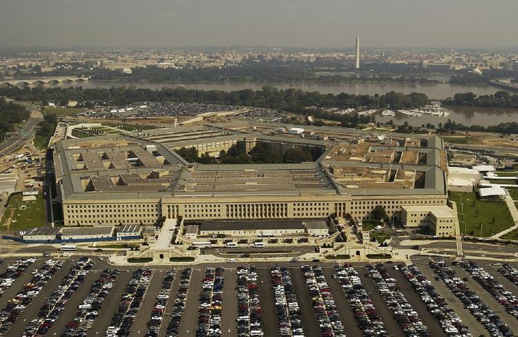 Глава Пентагона ответил на вопрос об импичменте Трампа по-русски