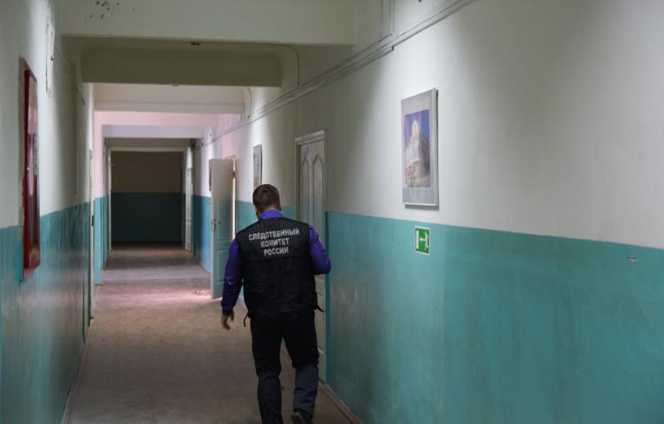 Охранник колледжа в Благовещенске работал без необходимого разрешения