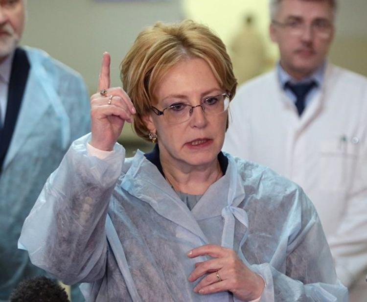 Министр Скворцова назвала среднюю зарплату российских врачей. А они в курсе, что столько получают? Мы проверили!