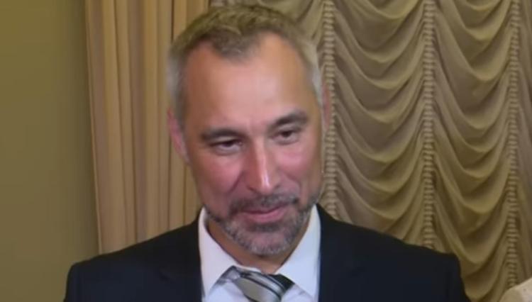 Генпрокурор объяснил, почему не может привлечь Коломойского