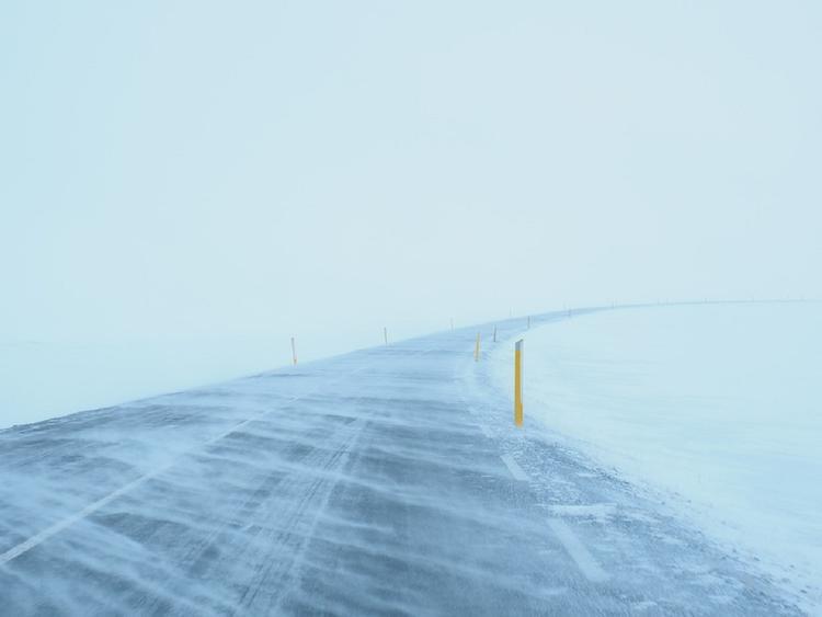 Мощный снежный циклон обрушился на Дальний Восток