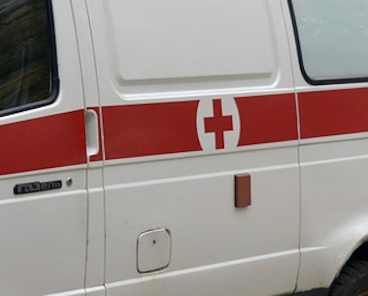 В Астрахани рухнул балкон жилого дома, погиб человек