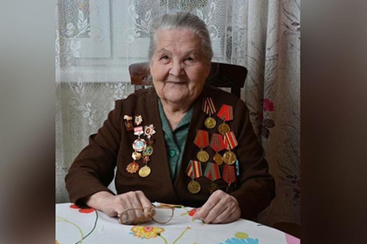 97 летняя бабушка,  ветеран  войны из Екатеринбурга стала блогером, у нее сотни подписчиков