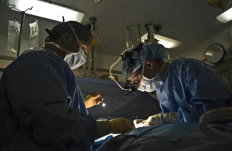 Жителю Сахалина успешно удалили опухоль на лице весом 1,5 кг