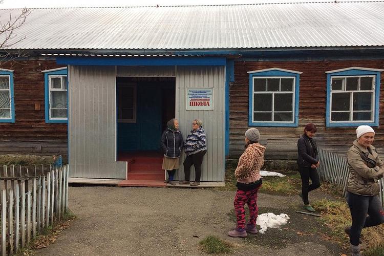 Село Большая Тихая совсем затихло. Школу покинула последний педагог