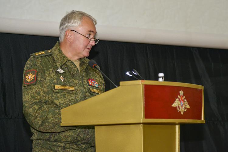 Заместитель министра обороны России Андрей Картаполов открыл оперативно-специальный сбор с руководящим составом